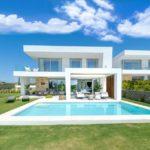 Villas de estilo contemporaneo en Santa Clara, Marbella Este