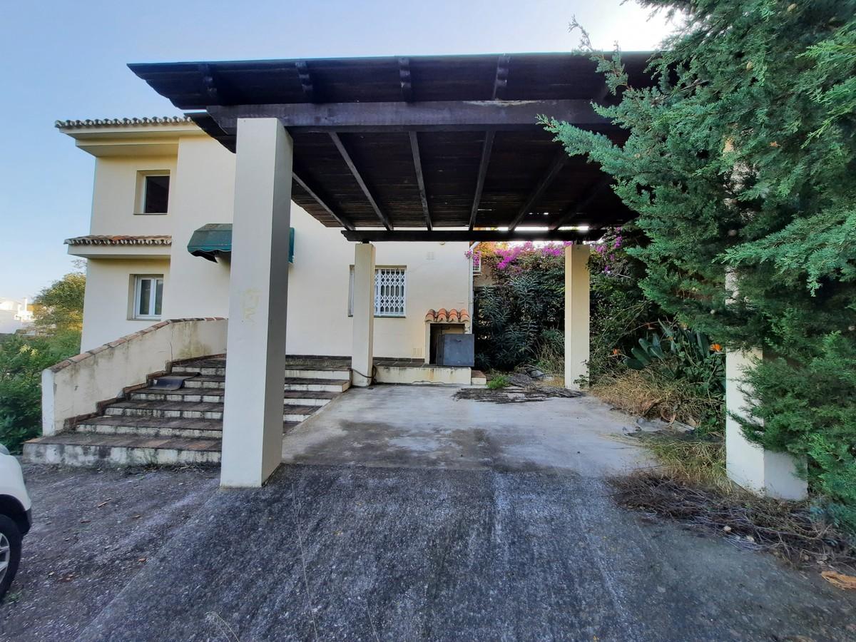 4 bedroom Villa for sale in Calahonda – R3752890 in