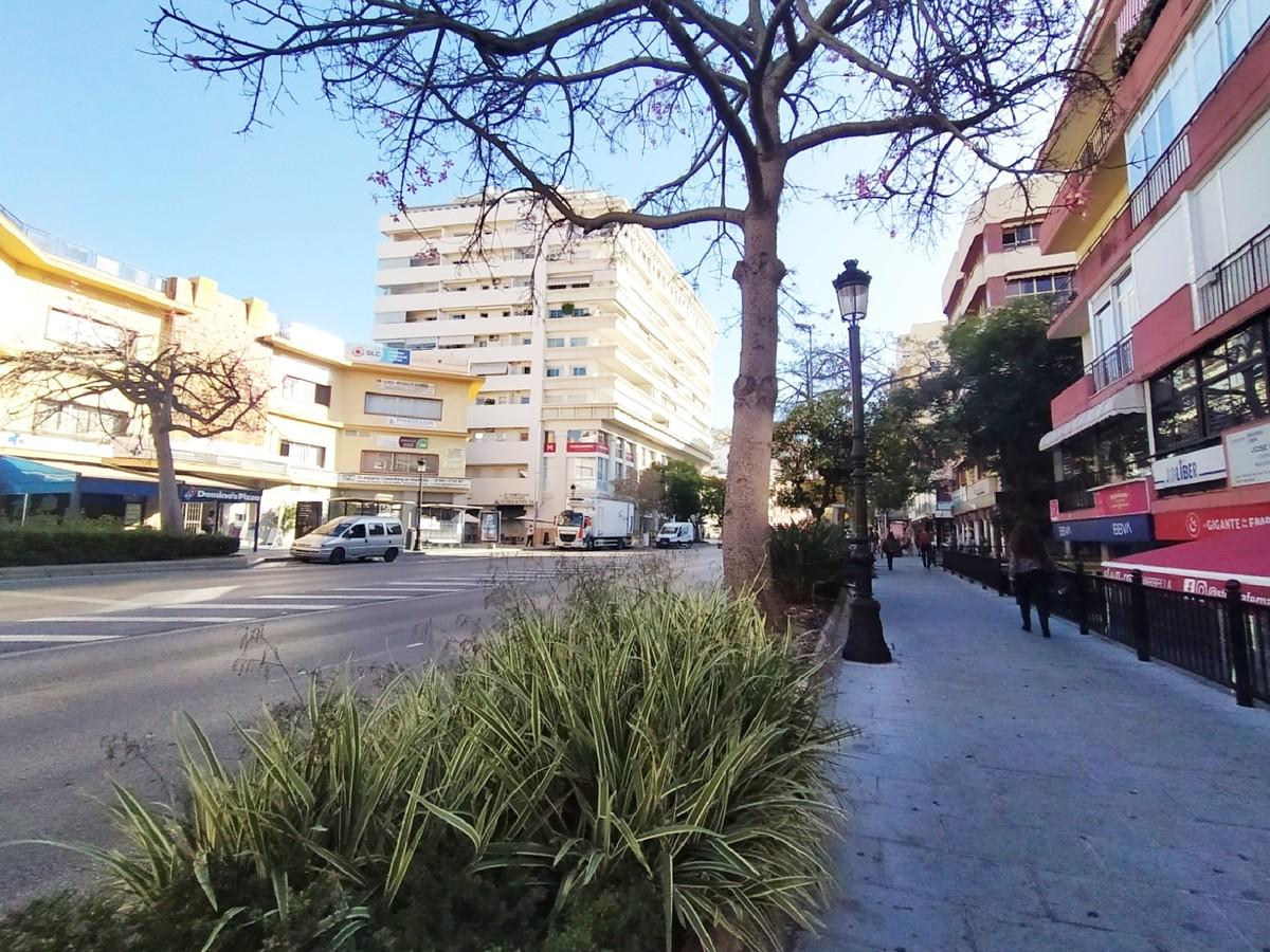 Apartamento de 3 dormitorios en venta en Marbella – R3673199