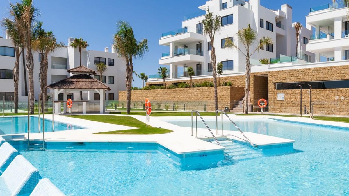 Apartamento de 2 dormitorios en venta en Mijas Costa – R3686360