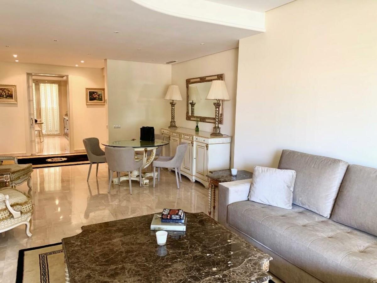 2 bedroom Apartment for sale in La Trinidad – R3712907