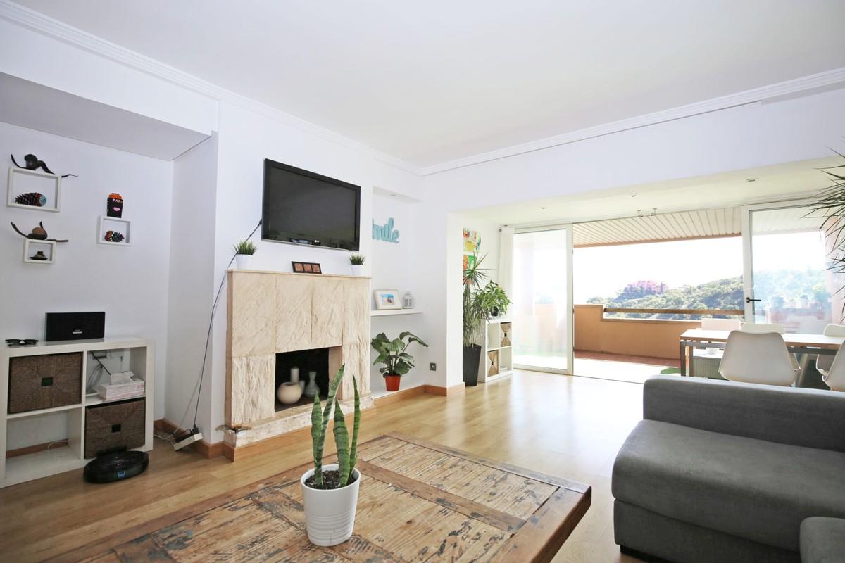 3 bedroom Apartment for sale in Elviria – R3752437 in