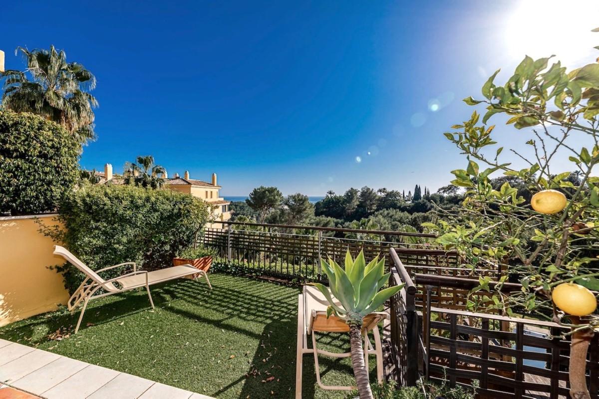 2 bedroom Apartment for sale in Sierra Blanca – R3635687
