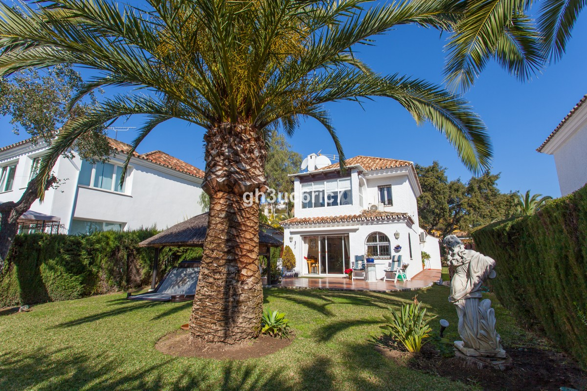 3 bedroom Villa for sale in Calahonda – R3746272