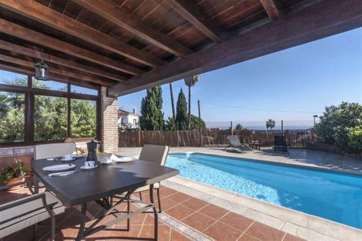 3 bedroom Villa for sale in Estepona – R2726162