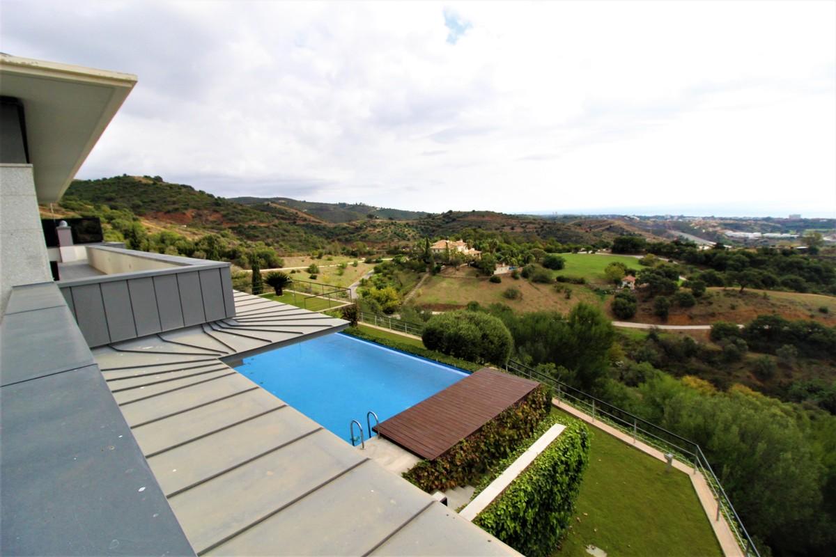 Villa de 5 dormitorios en venta en Altos de los Monteros – R3759391