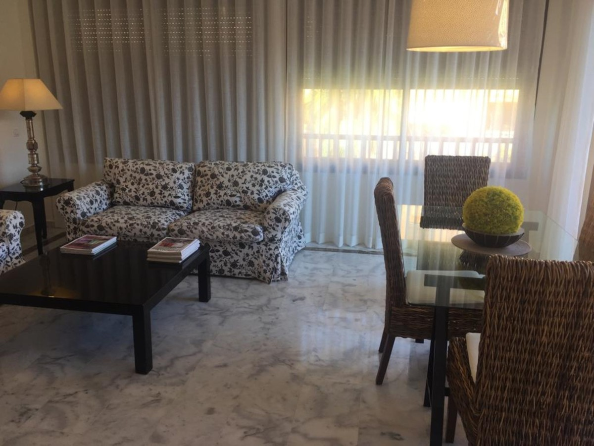 2 bedroom Penthouse for sale in The Golden Mile – R3751354