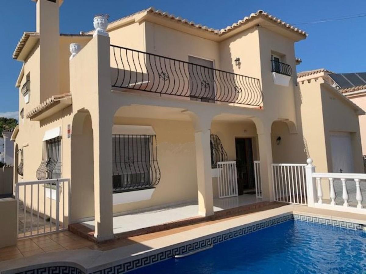 4 bedroom Villa for sale in Mijas Costa – R3515770