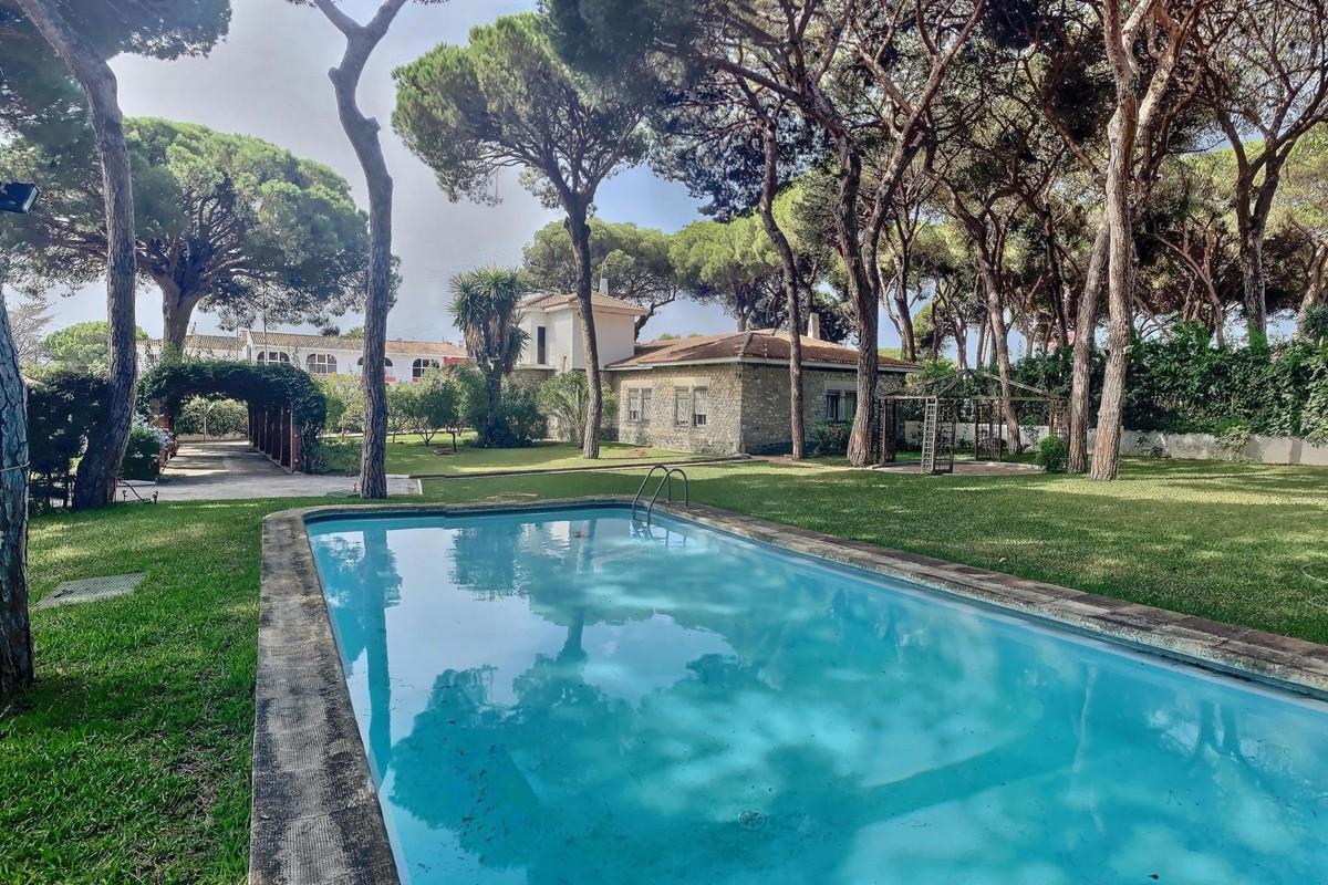 Villa de 7 dormitorios en venta en El Rosario – R3520585