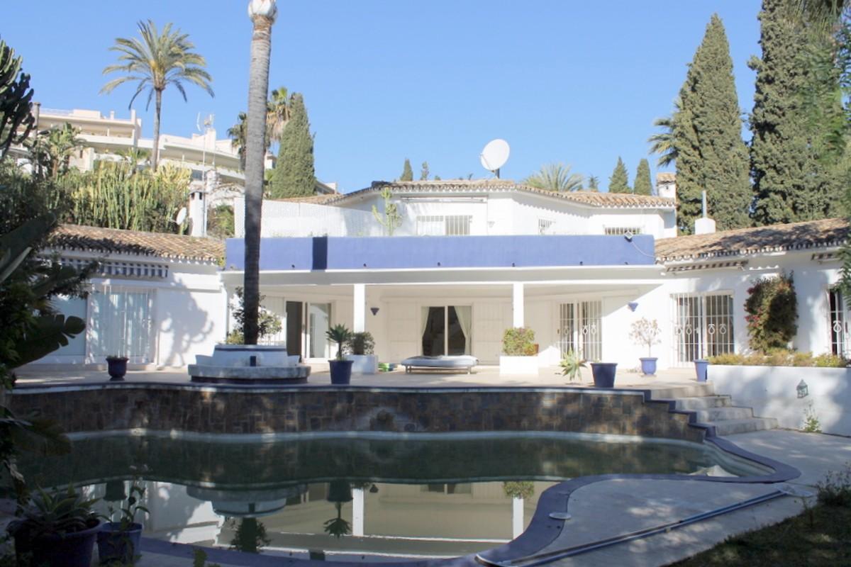 5 bedroom Villa for sale in Las Brisas – R2884457 in