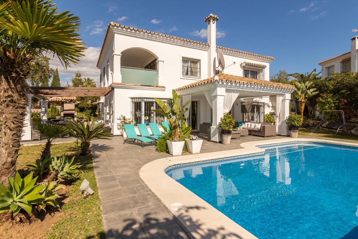 Villa de 4 dormitorios en venta en El Rosario – R3350662