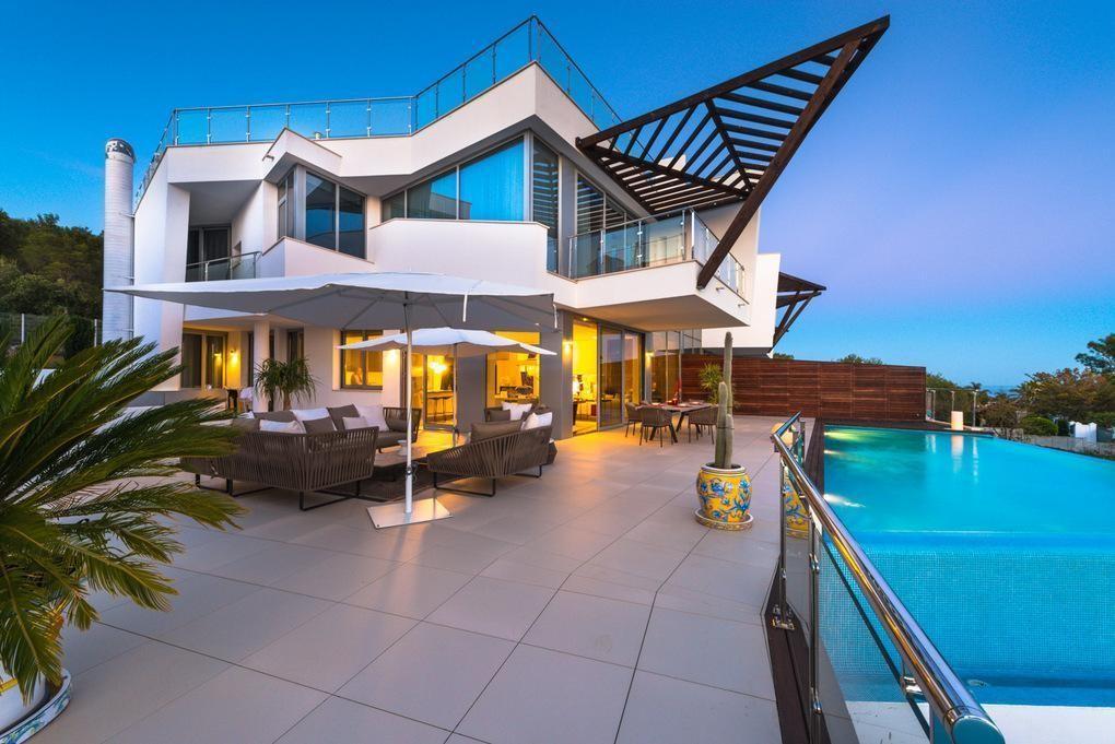 3 bedroom Villa for sale in Sierra Blanca – R3023144