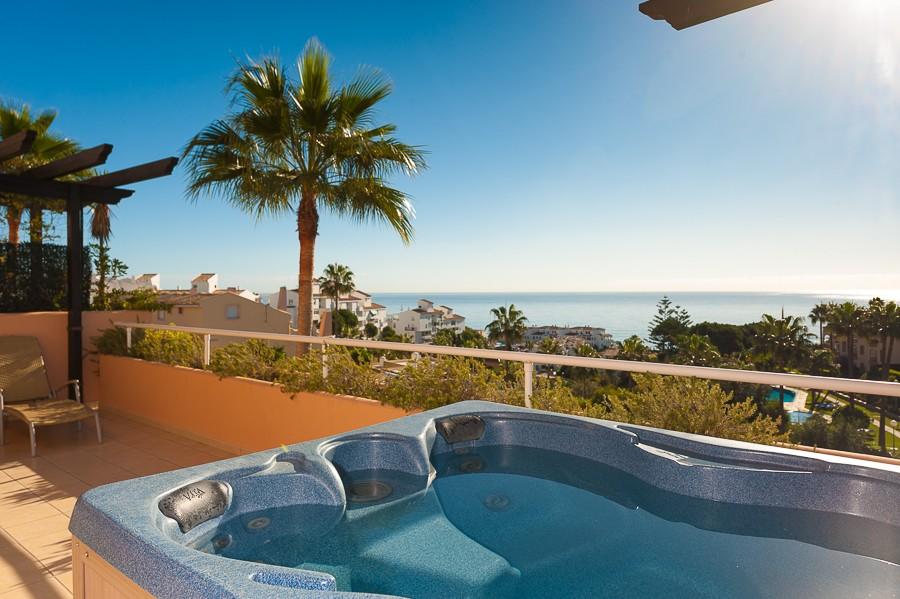 Apartamento de 2 dormitorios en venta en Mijas Costa – R3319234
