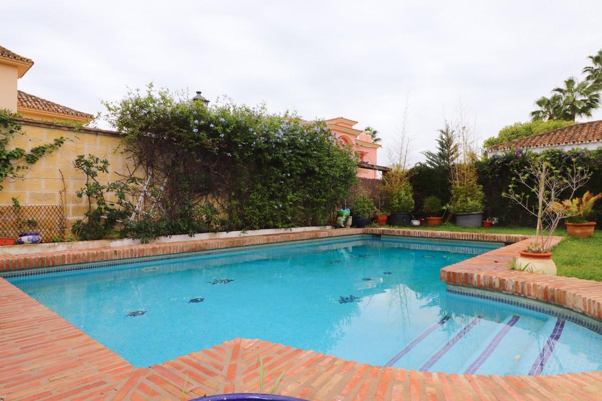 Villa de 3 dormitorios en venta en Nueva Milla de Oro – R3759961 en