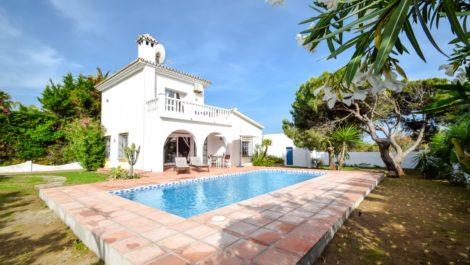 Villa de 3 dormitorios en venta en Las Chapas – R3768469 en