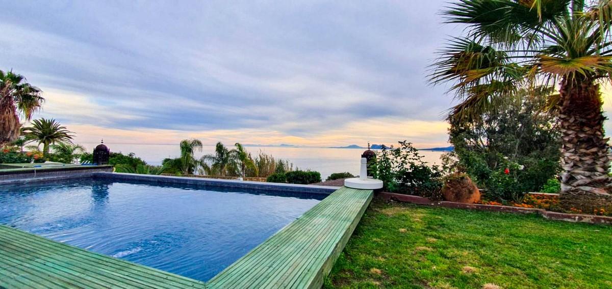 Villa de 2 dormitorios en venta en Sotogrande – R3766861 en