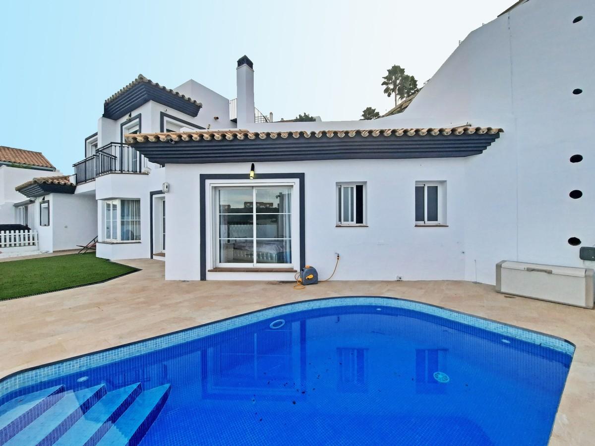 Villa de 3 dormitorios en venta en Riviera del Sol – R3766591 en
