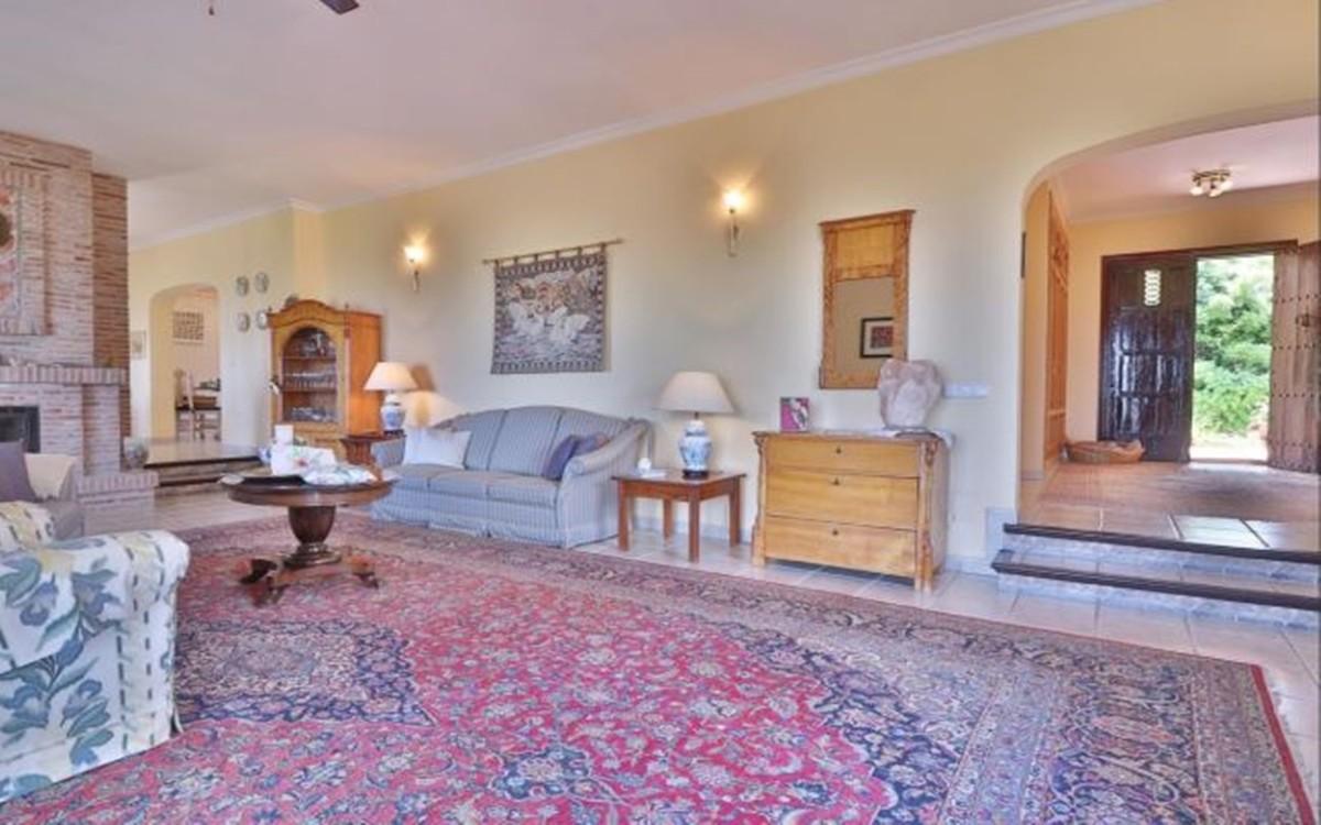 Villa de 3 dormitorios en venta en La Mairena – R3764653 en