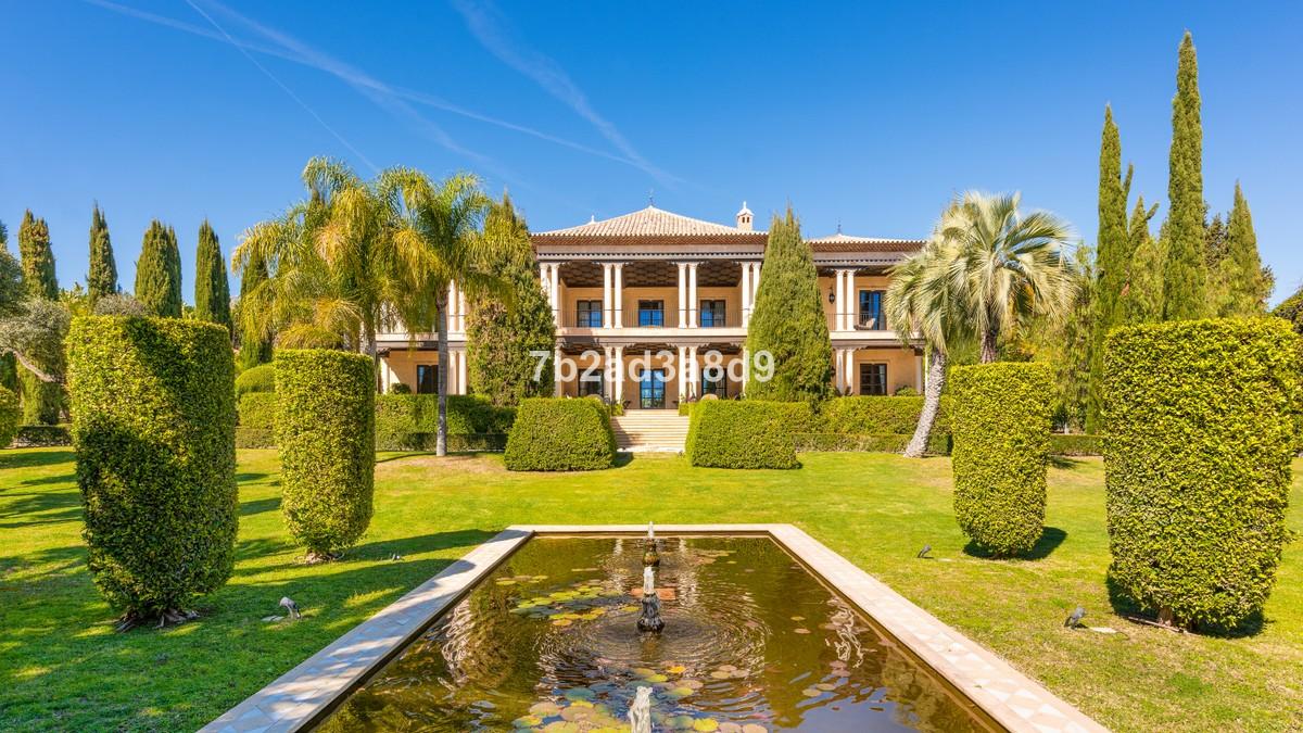 Villa de 8 dormitorios en venta en Milla de Oro – R3762577
