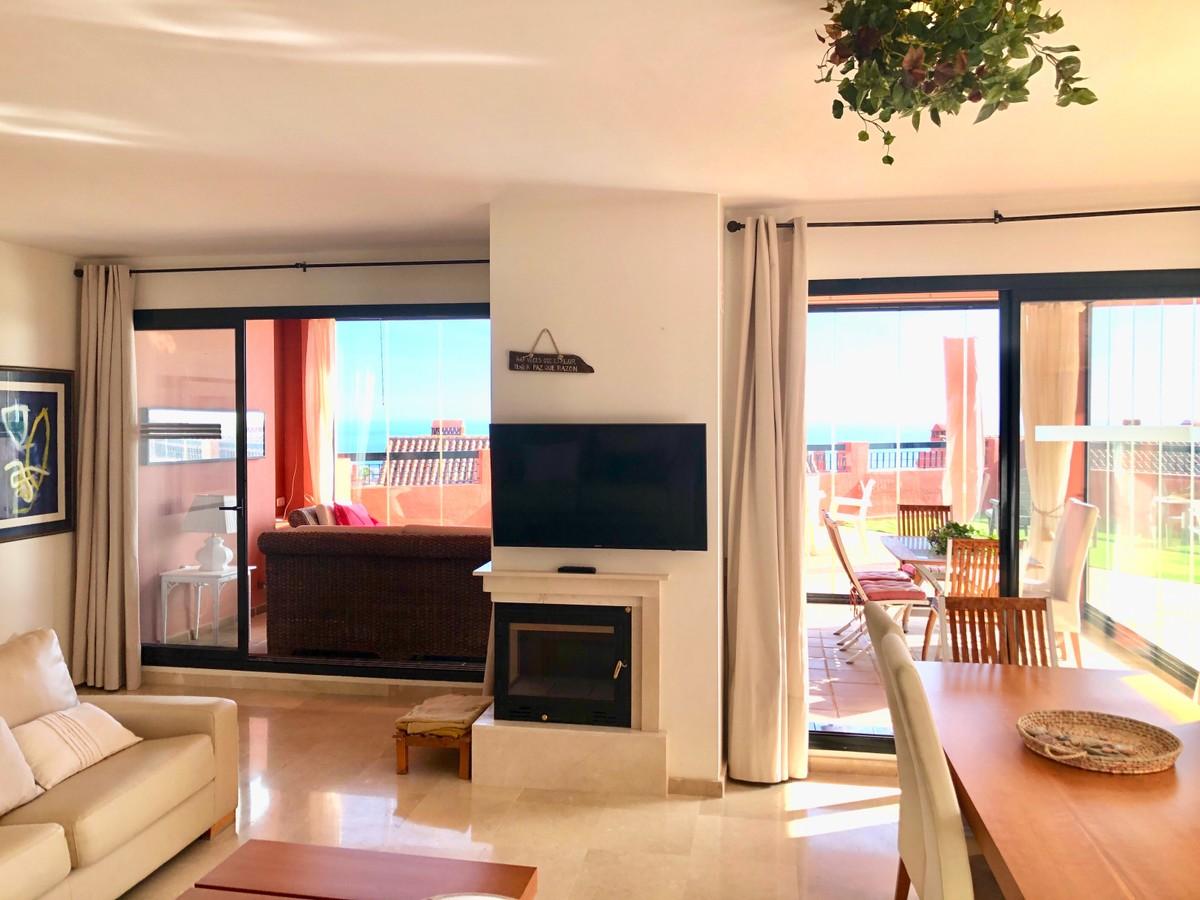 Apartamento de 2 dormitorios en venta en Calahonda – R3764806 en