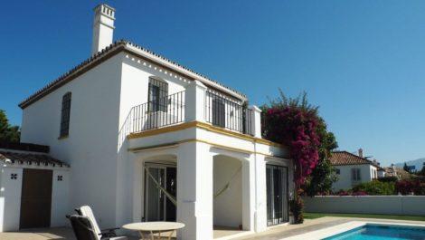 Villa de 3 dormitorios en venta en Nueva Milla de Oro – R3668618 en
