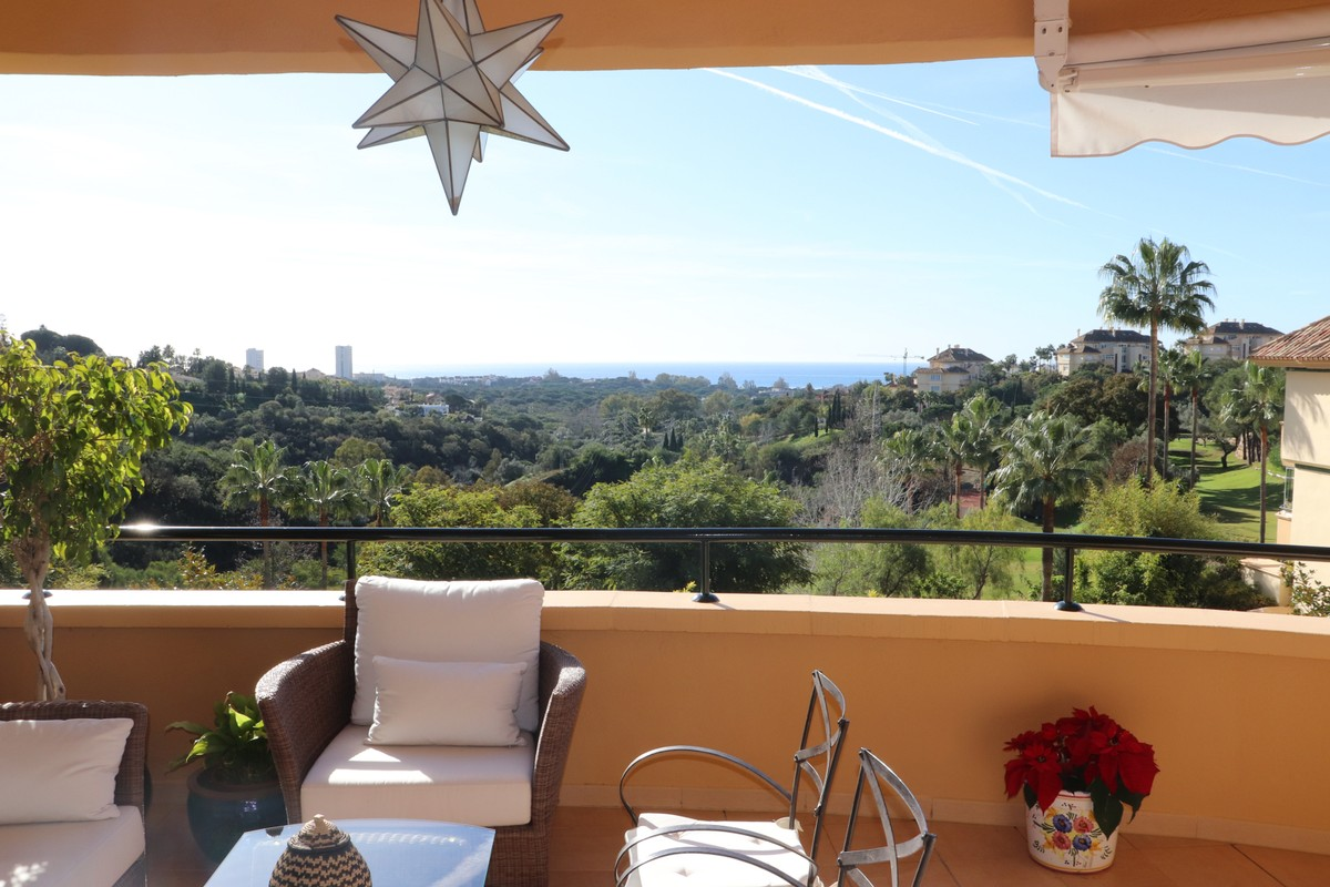 2 bedroom Apartment for sale in Elviria Hills – R3557641