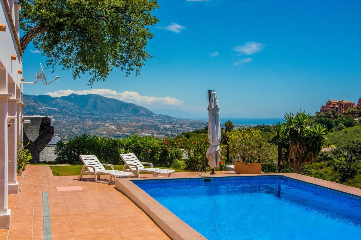 Villa de 4 dormitorios en venta en La Mairena – R3658727 en