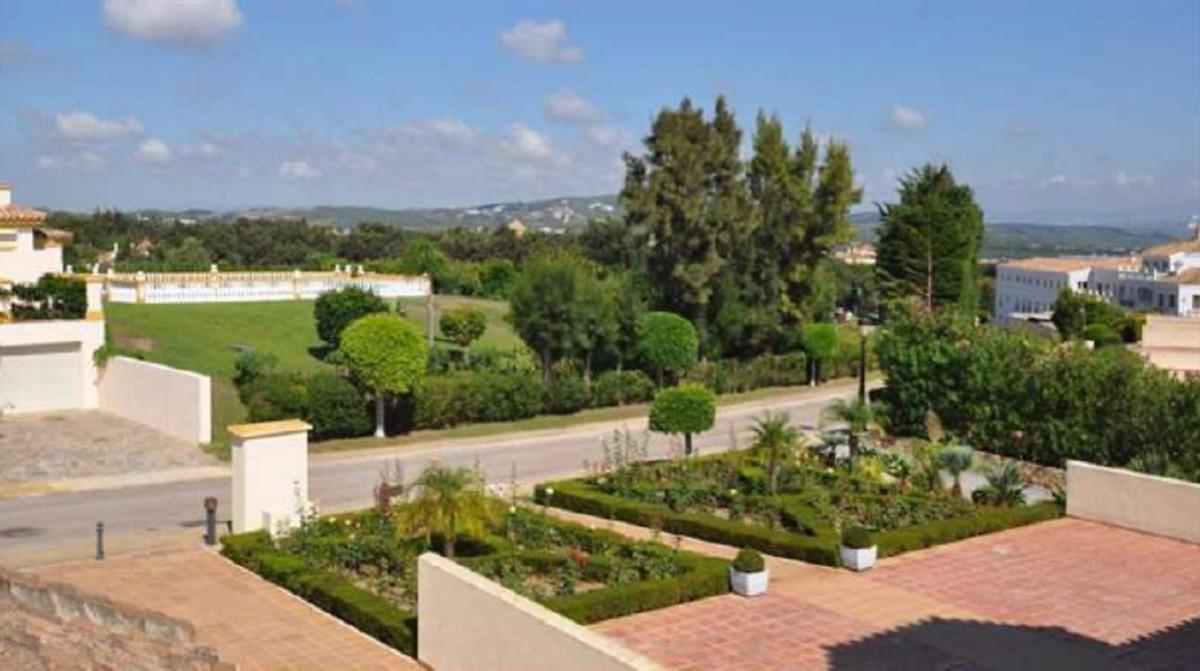 Atico de 4 dormitorios en venta en San Roque – R3766330 en