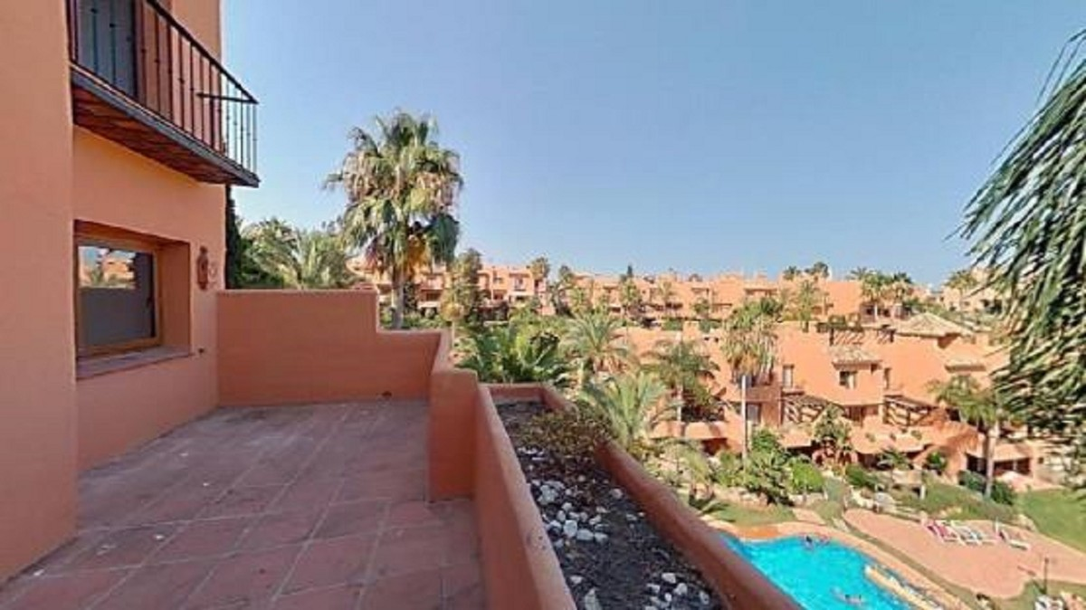 5 bedroom Townhouse for sale in Riviera del Sol – R3762973