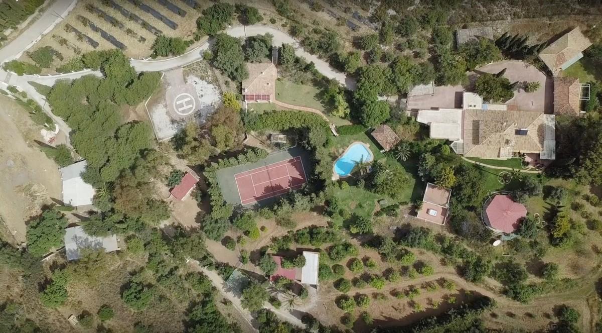 14 bedroom Villa for sale in Mijas – R3254677