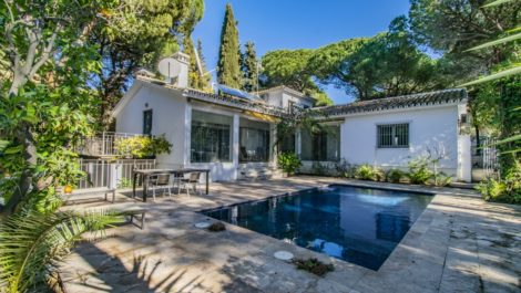 Villa de 3 dormitorios en venta en Milla de Oro – R3779971 en