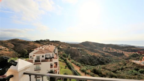 2 bedroom Penthouse for sale in Calahonda – R3772999