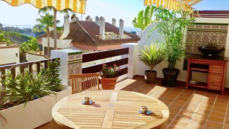Atico de 2 dormitorios en venta en Milla de Oro – R3772057 en