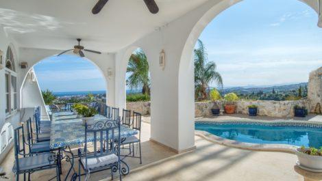 Villa de 6 dormitorios en venta en La Quinta – R3780304