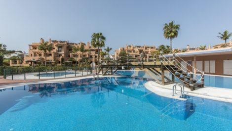 Apartamento de 2 dormitorios en venta en Hacienda del Sol – R3327730 en