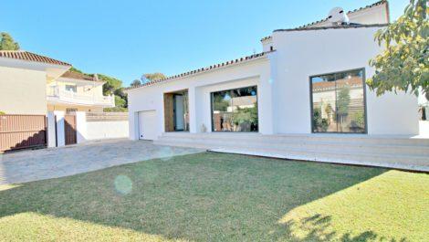 Villa de 4 dormitorios en venta en Las Chapas – R3778666 en