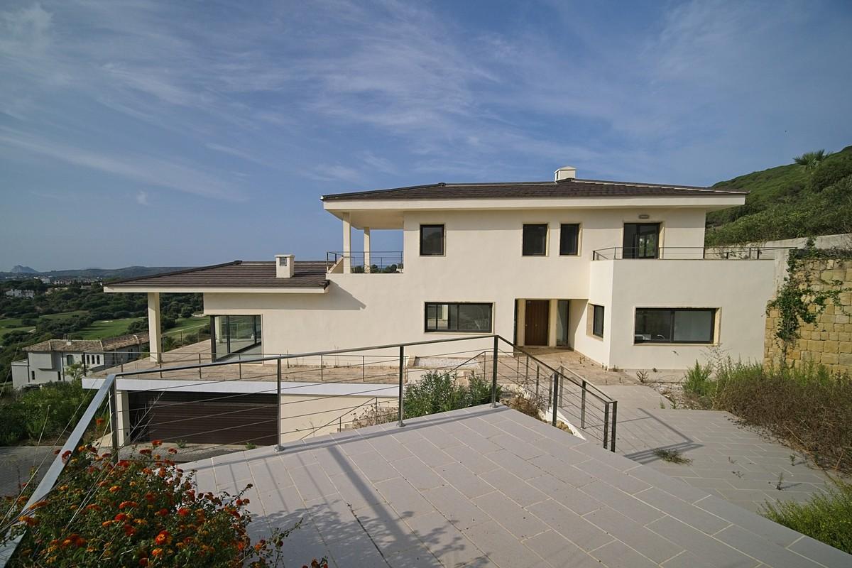 6 bedroom Villa for sale in Sotogrande – R3715796