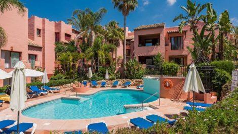 3 bedroom Penthouse for sale in Elviria – R3018206