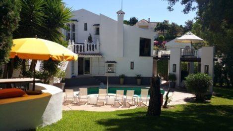 Villa de 4 dormitorios en venta en El Rosario – R2642018