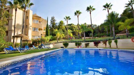 3 bedroom Apartment for sale in Elviria – R3386737