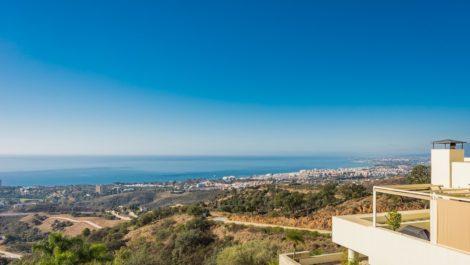 Apartamento de 2 dormitorios en venta en Los Monteros – R2904707 en