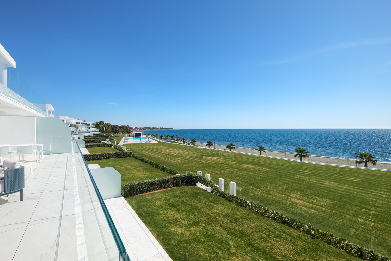 Frontline-beach-apartment-views