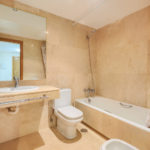 Greenlife-estates-frontline-beach-apartment-bathroom