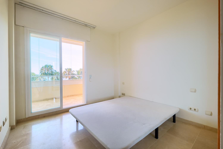Frontline beach apartment in Marbella