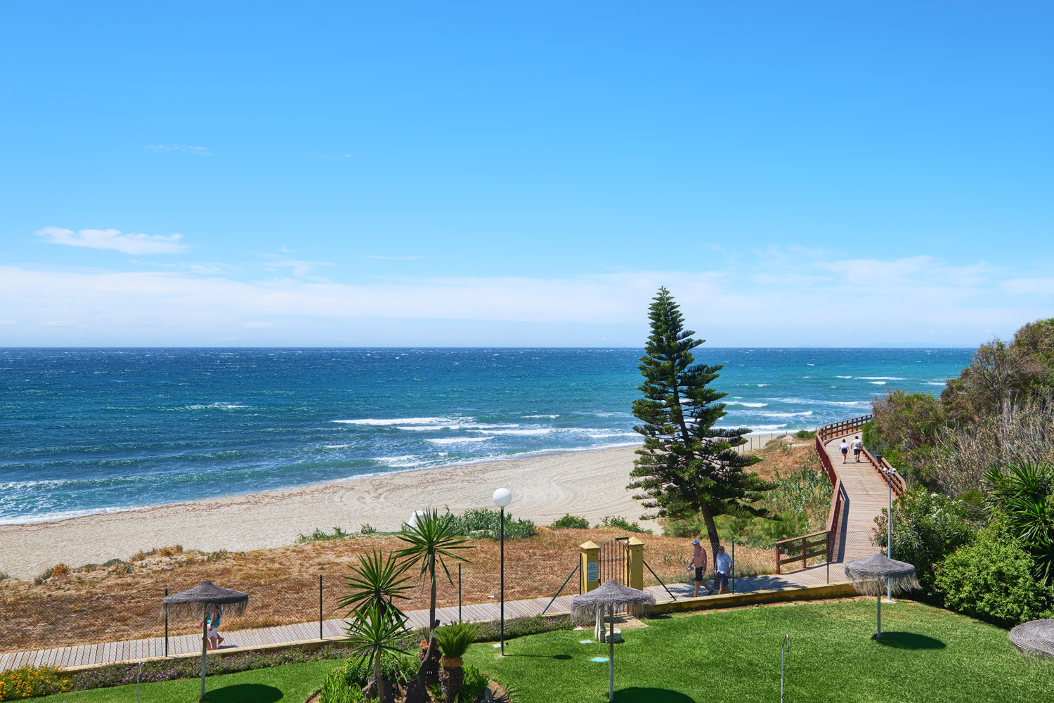 Greenlife-estates-frontline-penthouse-marbella-east-sea