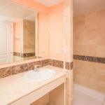 Elviria-Hills-2-bedroom-apartment-bathroom-2