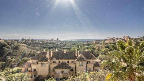 2 bedroom apartment with panoramic sea views in Elviria Hills in Marbella