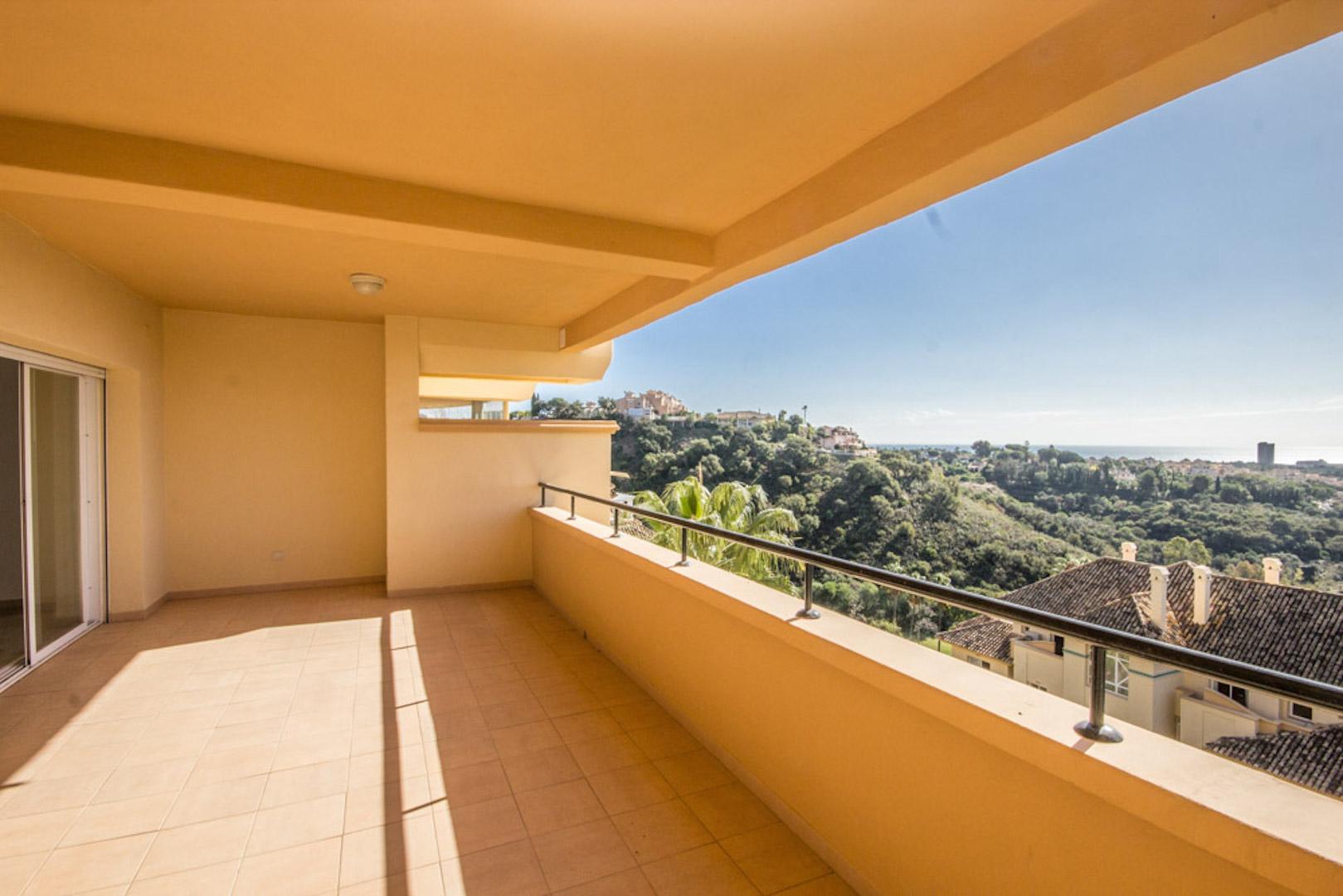 Elviria-Hills-2-bedroom-apartment-terrace