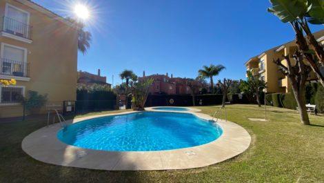 Apartamento de 3 dormitorios en venta en Guadalmina Baja – R3458890 en