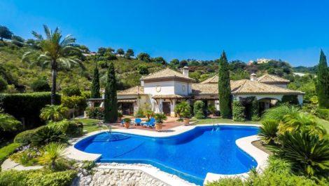 Villa de 5 dormitorios en venta en La Zagaleta – R2943791 en